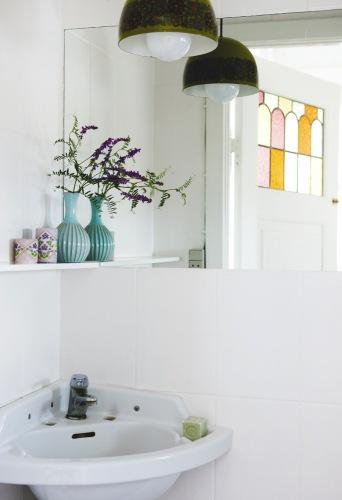 Trolleri på liten toalett | Badrumsdrömmar : toaletter spegel : Inredning