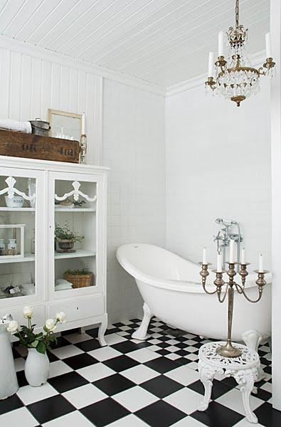 Romantiska badrummet på landet