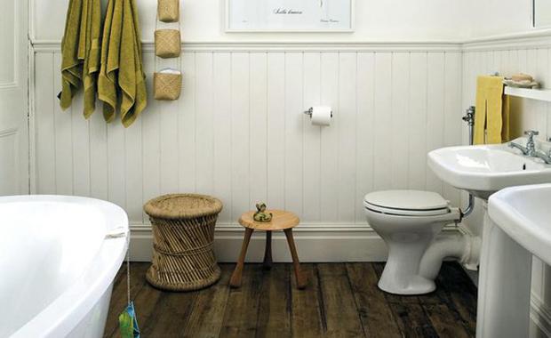 Badrum badrum panel : Vackraste färgen är ett slitet trägolv | Badrumsdrömmar
