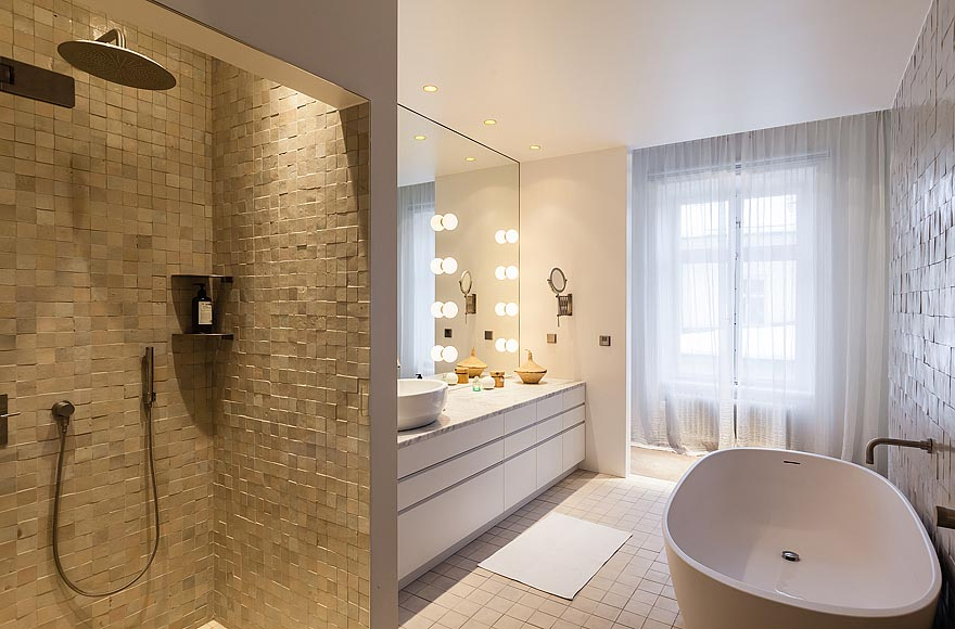 Natursten pu00e5 olika su00e4tt i badrummet : Badrumsdru00f6mmar