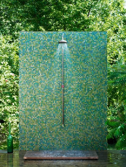 badrum-inspiration_koppar-dusch-utedusch_richard-lindvall_badrumsdrommar_1