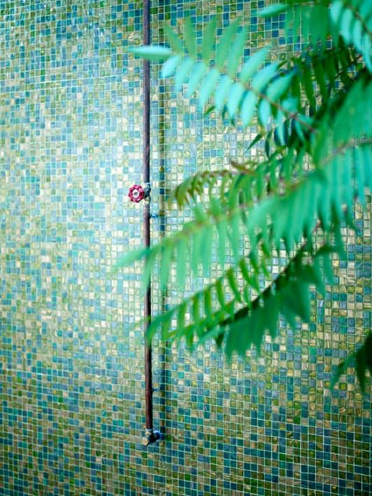 badrum-inspiration_koppar-dusch-utedusch_richard-lindvall_badrumsdrommar_3