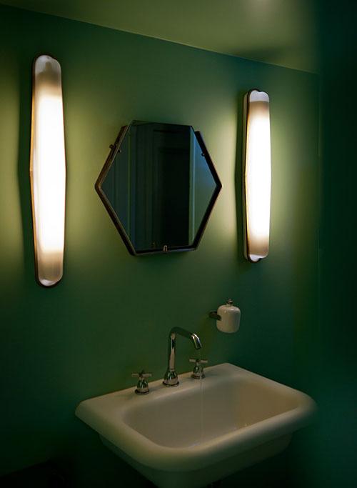 Grönt på toaletten i Paris