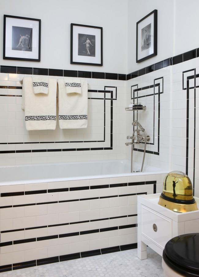Art Deco badrummet i svart/vitt