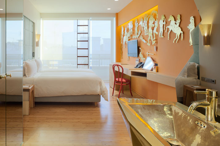 Fernando-Humberto-Campana-New-Hotel_athens-greece_via-yatzer_guldbadrum_badrumsdrömmar_1