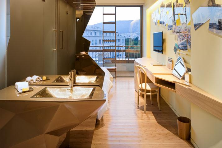 Fernando-Humberto-Campana-New-Hotel_athens-greece_via-yatzer_guldbadrum_badrumsdrömmar_2