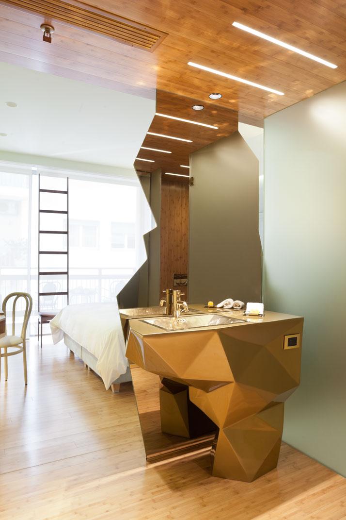 Fernando-Humberto-Campana-New-Hotel_athens-greece_via-yatzer_guldbadrum_badrumsdrömmar_3