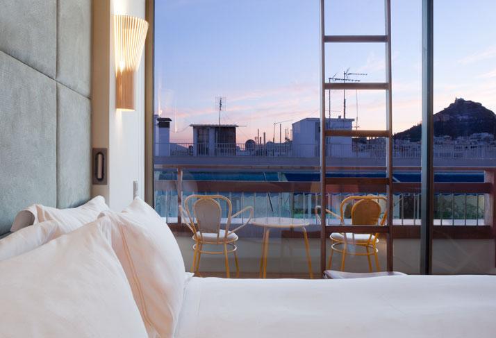 Fernando-Humberto-Campana-New-Hotel_athens-greece_via-yatzer_guldbadrum_badrumsdrömmar_7