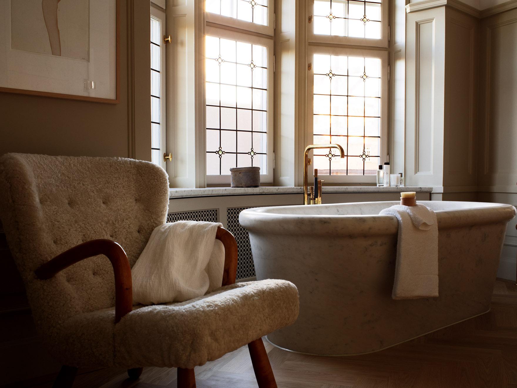 badrum-inspiration_kalksten-massing_ett-hem_suite_badrumsdrommar