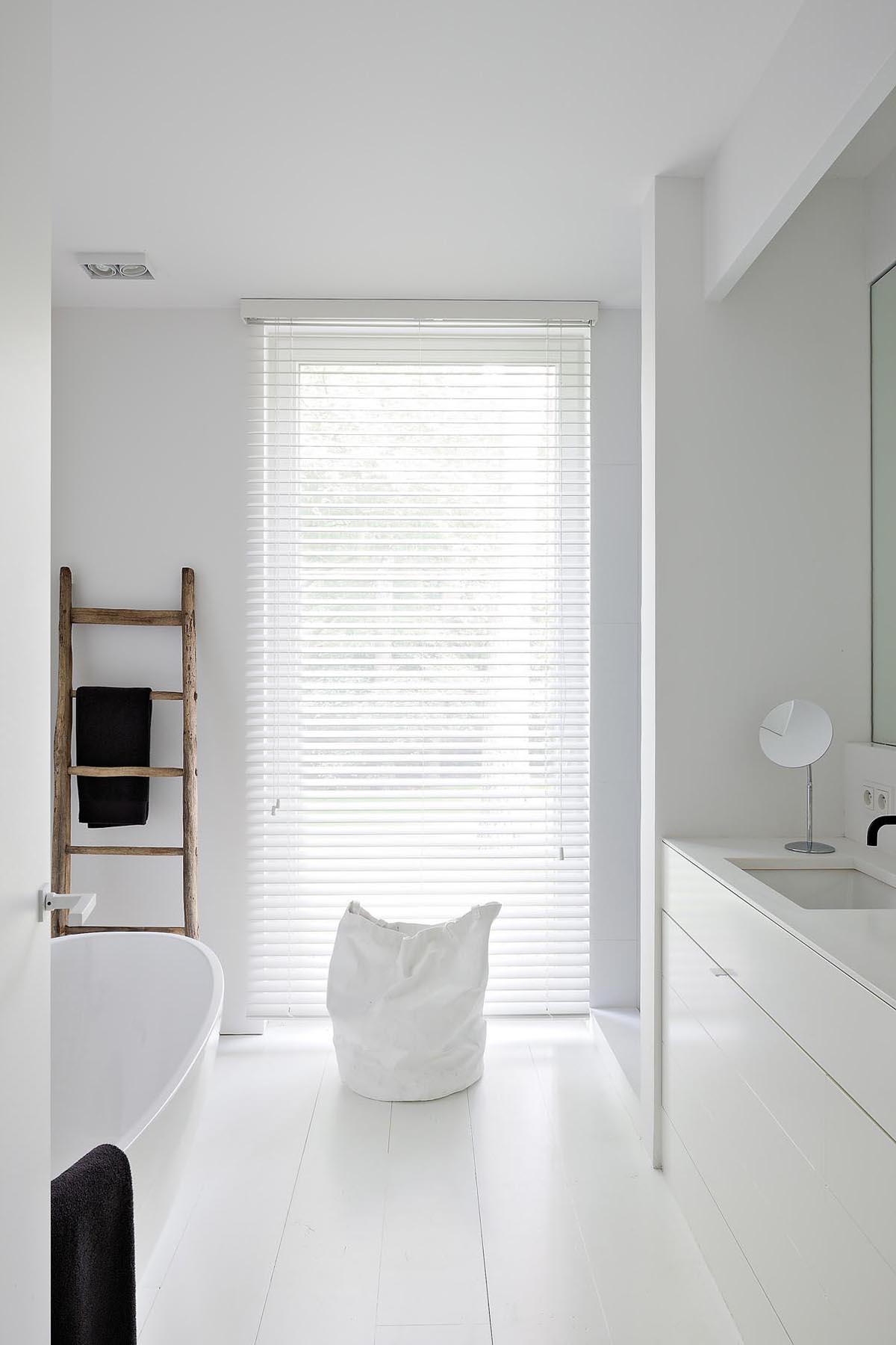 badrum_inspiration_oscar-v_modern-bathroom_belgium_badrumsdrommar_2