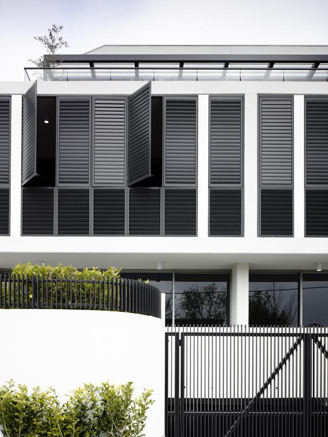 exterior_architect-Ella-Leoncio_photo-Derek-Swalwell_melbourne_badrumsdrömmar