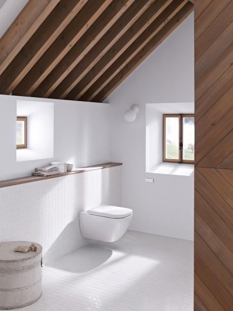 badrum-inspiration_geberit-vagghangd-toalett_snedtak-takbjalkar_badrumsdrommar