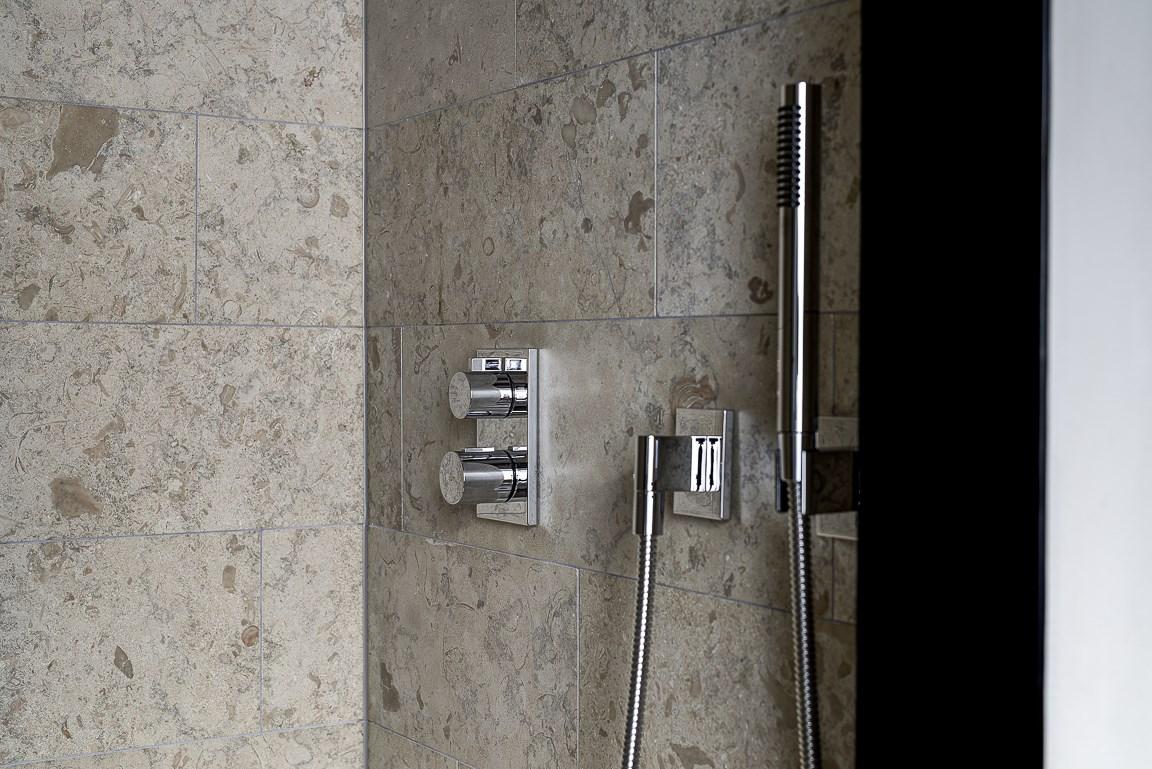 Perfekta smÃ¥ badrum i kalksten   Badrumsdrömmar : litet tvättställ : Inredning