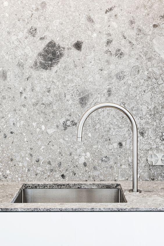 terrazzo_badrum_bathroom_inspiration_marmor-sten-golv_badrumsdrommar_1