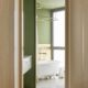 Badrumsinspiration - badrum inspiration brass green bath arago street apartment miriam barrio studio photo jose hevia badrumsdrommar 2