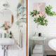 badrumsinspiration gulligt lantligt badrum vitt kakel halvforband halvkaklat badrumshylla glas krom oval spegel badrumslampa tassbadkar the happy tudor badrumsdrommar