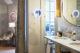 badrumsinspiration badrum en suite carrara massing sminkspegel hemma hos natalie schuterman karlaplan foto lagerlings badrumsdrommar