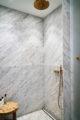 badrumsinspiration dusch carrara massing avland brunn hemma hos natalie schuterman karlaplan foto lagerlings badrumsdrommar